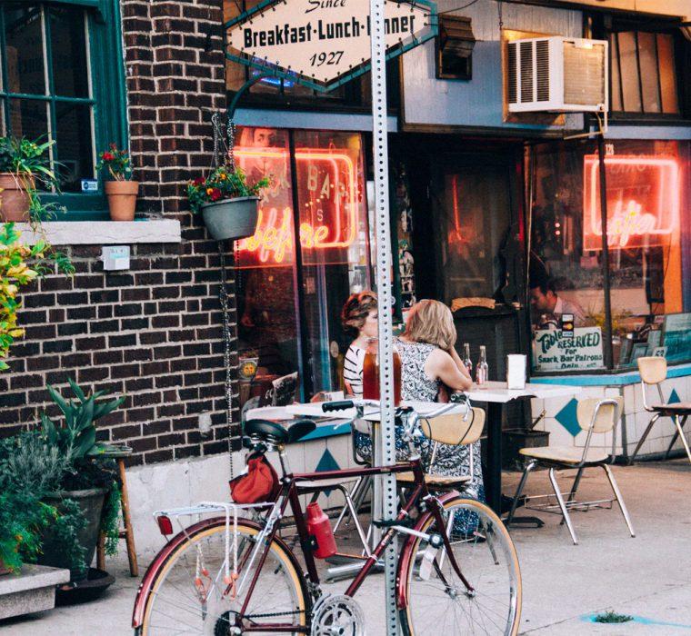 بیرون کافه
